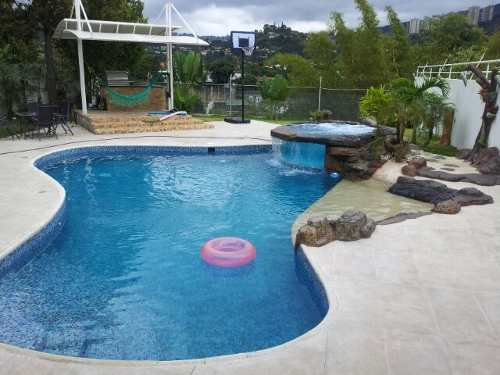Piscinas peru dise o de piscinas for Disenos de cascadas para piscinas